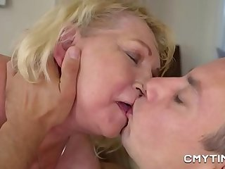 Meaty blonde grandma fucked..