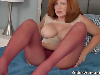 Sultry milf Andi James from..
