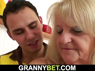 Busty hairypussy granny