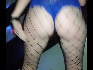 Esposa gaú_cha danç_ando..