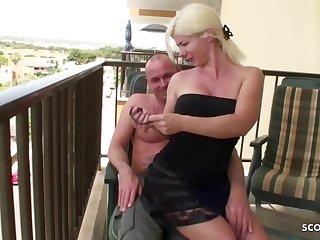 Echter Amateur Sex im Urlaub..