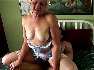 Chunky old spunker loves..