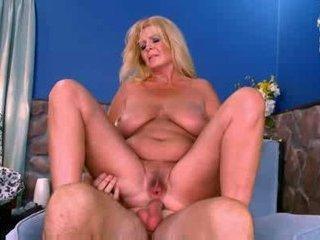 Hot mature busty curvy..