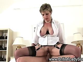 Watch british Lady Sonia get..