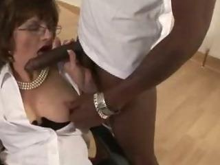 Mature stocking fetish slut..