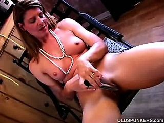 Fit mature swinger fucks her..