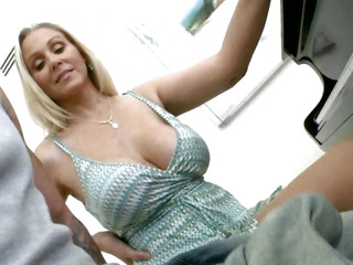 Busty MILF Julia Ann and..