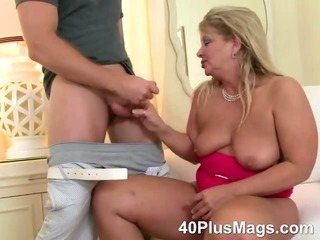 mature oral and pussy..