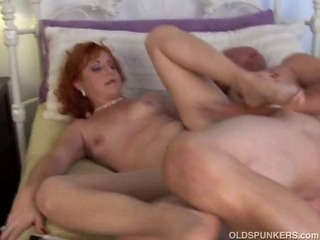 Sexy mature red head loves..