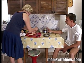 Mature Stepmom Serving Pussy..