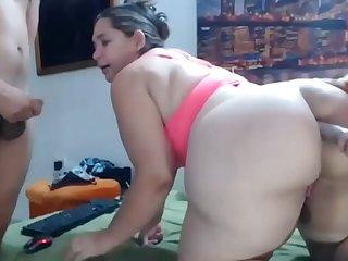 My chubby mom Joins a Webcam..