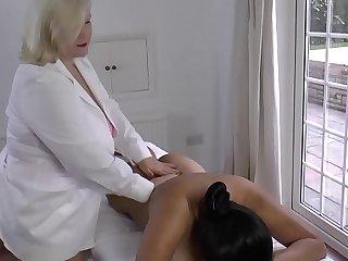 LACEYSTARR  Lesbian Massage..