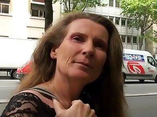 Elisa maman de 45 ans..