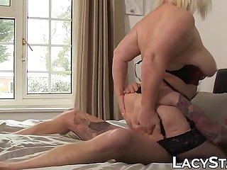 Nasty Lacey Starr slurps big..
